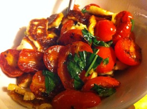 Fried Halloumi with Tomato Sauce